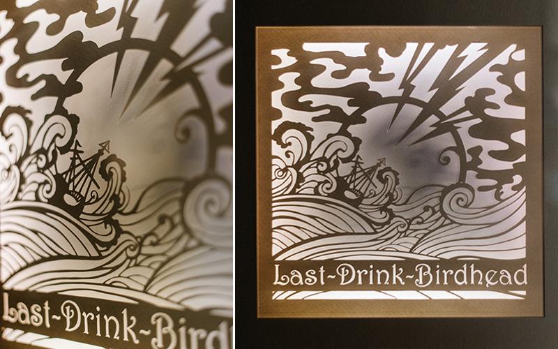 Papercut Leuchtkasten: Last Drink Birdhead