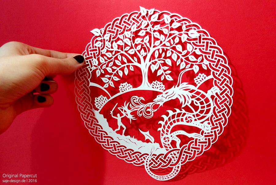 Papercut: »Fighting the Dragon«